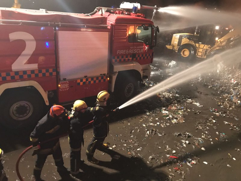 Fire at Sant Antnin Waste Treatment Plant 10