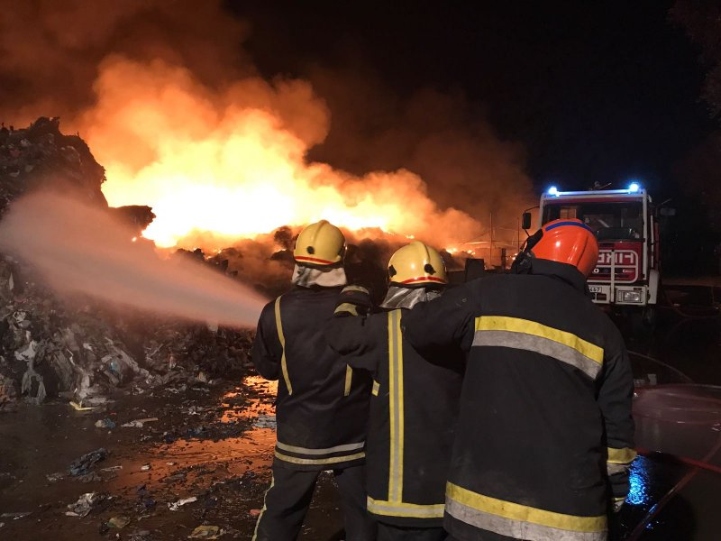 Fire at Sant Antnin Waste Treatment Plant 13