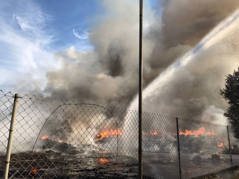 Fire at Sant Antnin Waste Treatment Plant 4