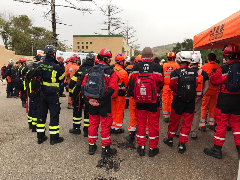 The Volunteer Rescuer A Unified Approach 19