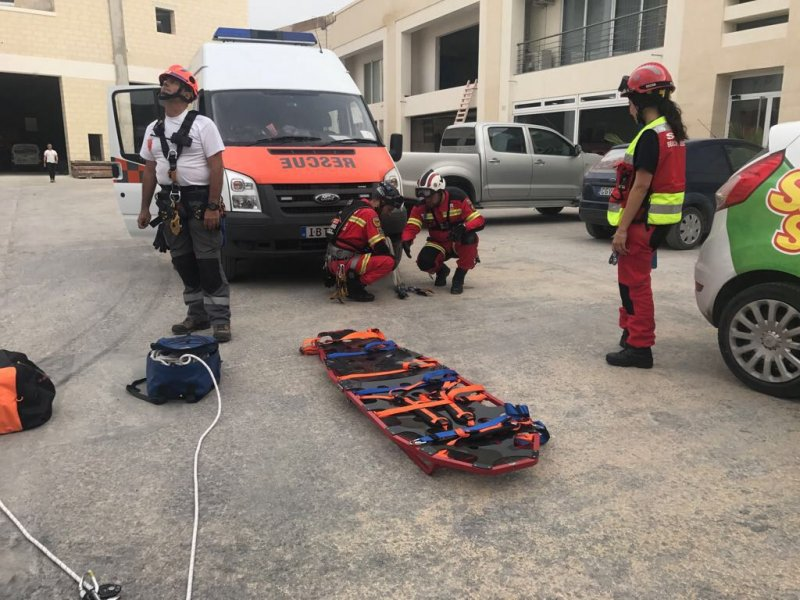 The Volunteer Rescuer A Unified Approach 24