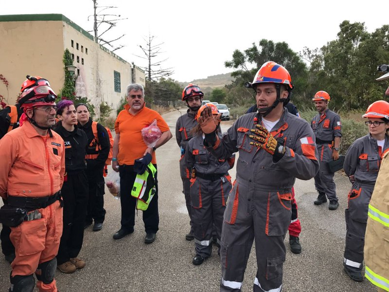 The Volunteer Rescuer A Unified Approach 20